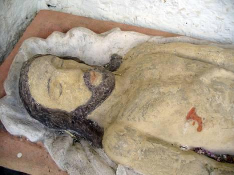 Jesus in the tomb - free stock photo #400796