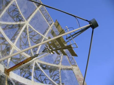 Detail of radio telescope - free stock photo #400838