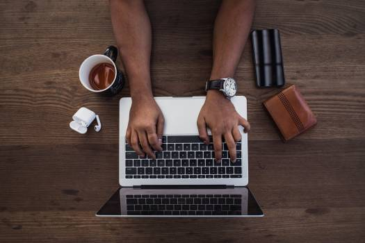 Typing on Laptop Free Photo #401372