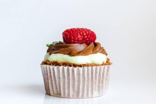 Raspberry Chocolate Cupcake Free Photo #402159