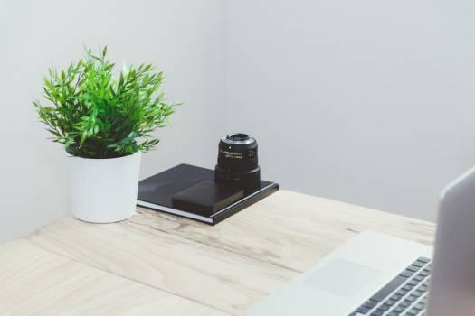 Minimal Desk MacBook Camera Lens Free Photo #403388