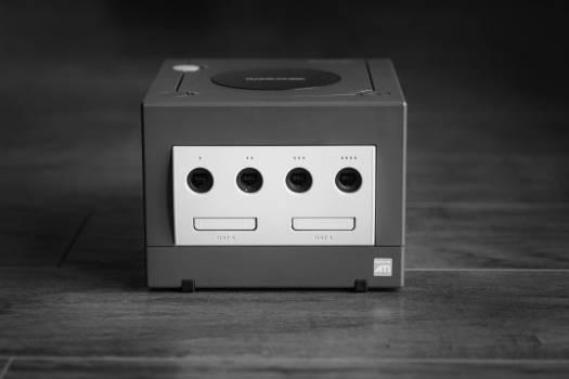 Nintendo Gamecube Retro Gaming Free Photo #403409