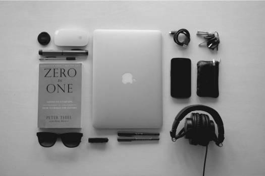MacBook Essentials Free Photo #403552