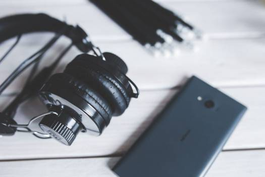 Headphones and Mobile Device Free Photo #403867