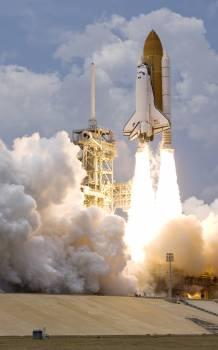 White Shuttle Spaceship Takes on #40410