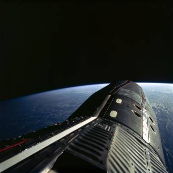 Gemini 12 spacecraft seen during EVA #409536