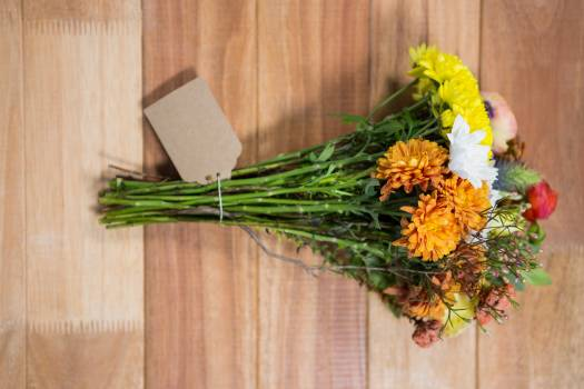 Flower bouquet of different flowers Free Photo