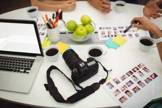 Graphic designers working in office Free Photo