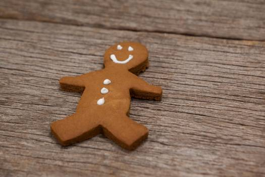Gingerbread on a plank #411741