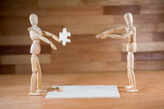 Figurine with jigsaw puzzle #412191