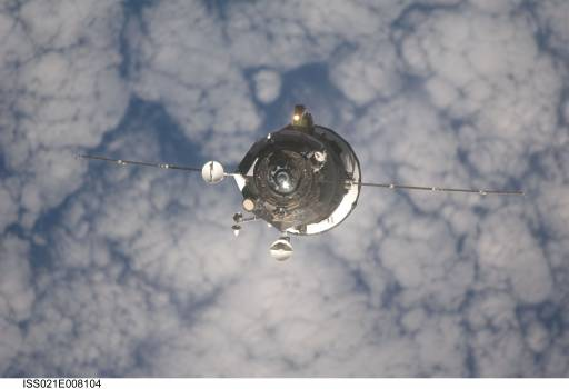 Progress M-03 (35P) approaches the ISS for docking #413689