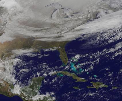 Satellite Picture Shows the Snow-covered U.S. Deep Freeze #414178