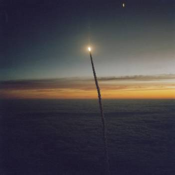 View of the early morning launch of STS 41-G Challenger #414383