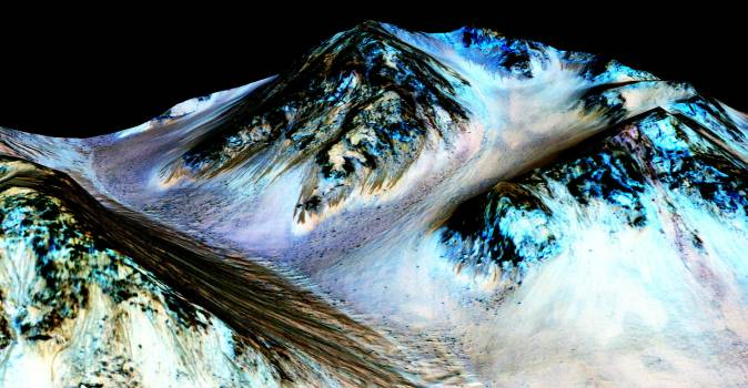 Recurring Lineae on Slopes at Hale Crater, Mars #414487