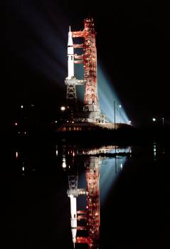 Floodlights illuminate view of Skylab 3 vehicle at Pad B, Launch Complex 39 #414845