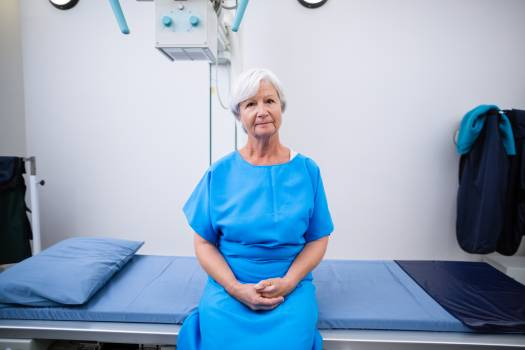 Portrait of senior woman undergoing an x-ray test #415293