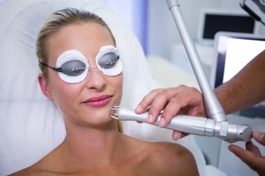 Female patient getting rf lifting procedure #416707