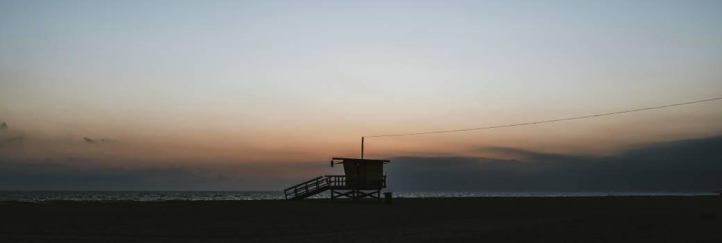 Lifeguard house on a Venice beach in California, USA #417881