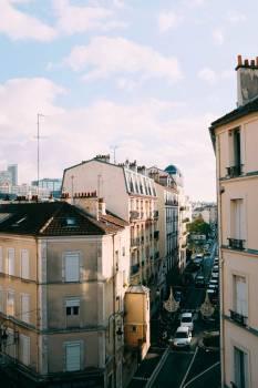 Busy Paris Street #421312