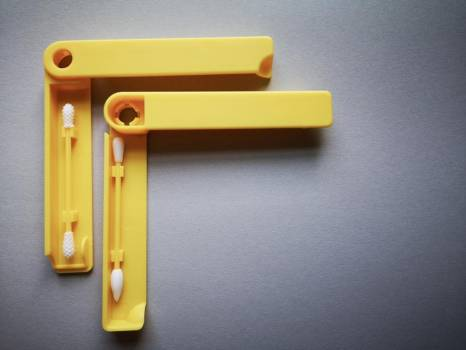 Two Plastic Yellow Q-Tips In Plastic Cases #424548