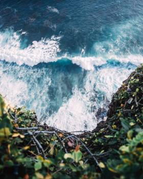 Waves Crashing Rocks Free Photo #424577