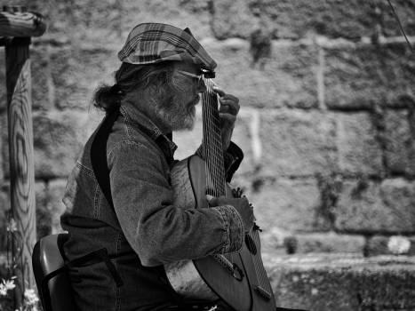 Artiste casquette guitariste homme Free Photo