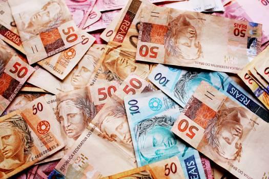100 real ballots brazil brazilian currency Free Photo