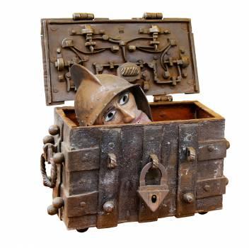 Bolt box castle chest Free Photo