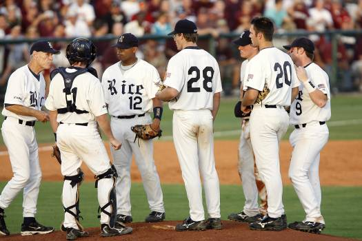 Athletes baseball dirt field Free Photo