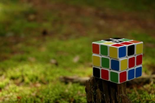 Colors cube game idea Free Photo