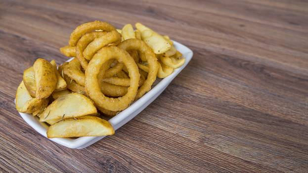 Food onion rings plate snack Free Photo