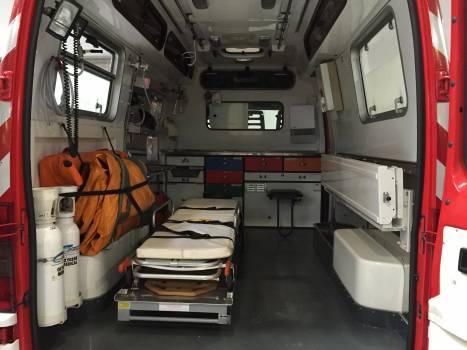 18 ambulance assistance care Free Photo
