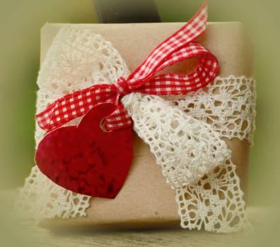 Birthday bow box bright Free Photo