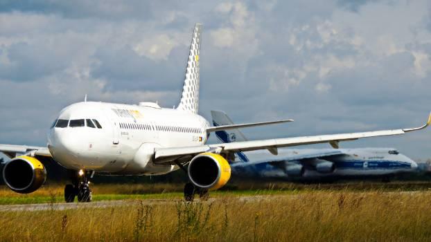 A 320 aeroplane aeroplanes airbus #76221