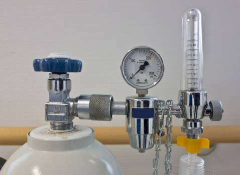 Artificial respiration beamtmungsgerat bottle compressed air Free Photo