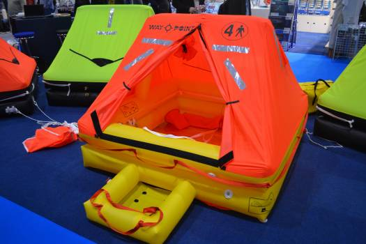 Dingy emergency equipment help Free Photo
