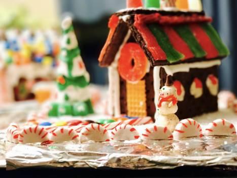 Candy candy house christmas christmas decor Free Photo