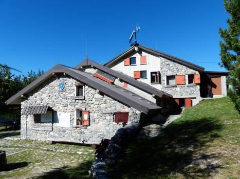 Accommodation alpine club bergtour cai Free Photo