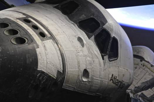 Atlantis space shuttle #82002