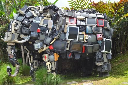 Creative elephant exposition garden Free Photo