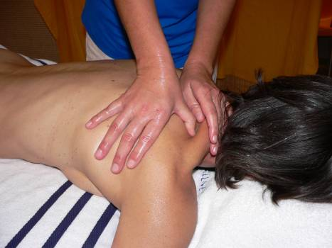 Classic massage massage neck relaxation Free Photo