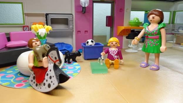 Children living room mother playmobil Free Photo