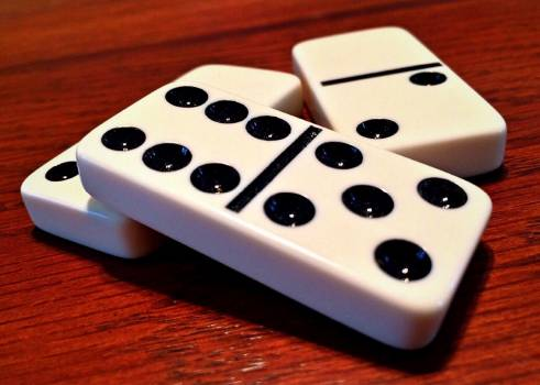Domino dominoes game strategy Free Photo