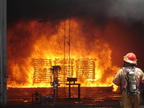 Controlled danger equipment fire Free Photo