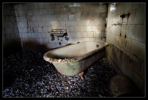 Bano banera bath bathroom old dirty Free Photo