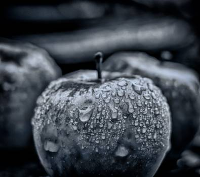 Apple drip drop of water eat Free Photo