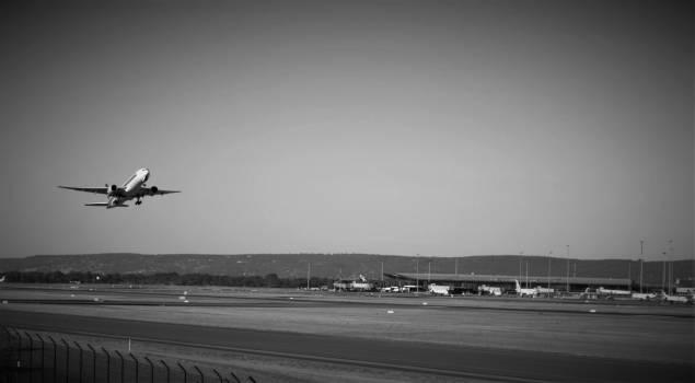 Aeroplane aircraft airplane black and white #93513